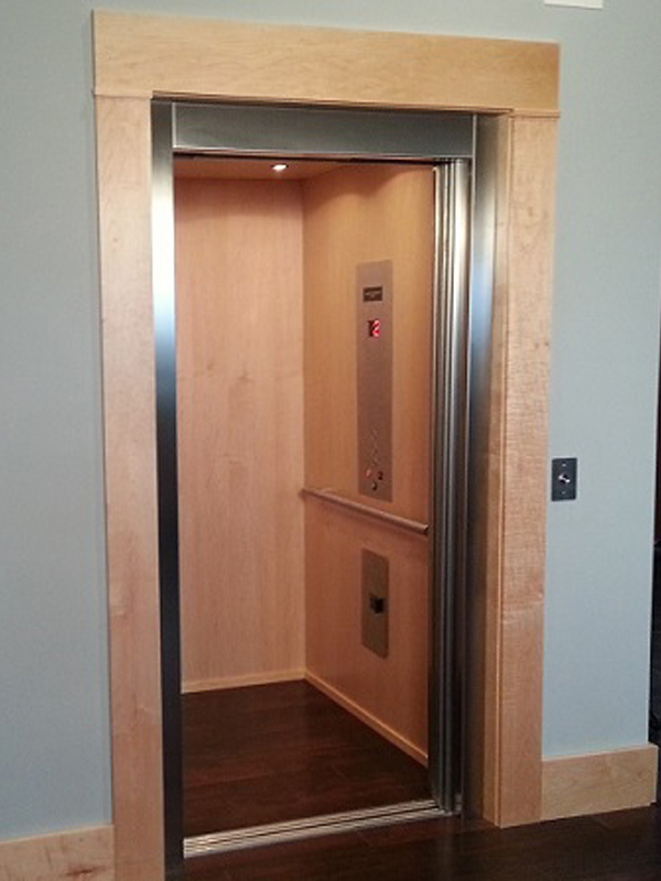 Automatic Sliding Door Elevator