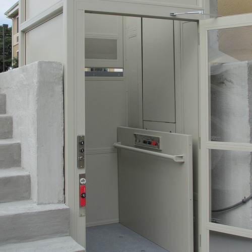 Vertical Platform Lift : Vertical platform lift wheelchair porch transitions