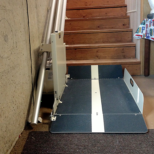 Awesome ... Residential Indoor Incline Wheelchair Stair Lift ...